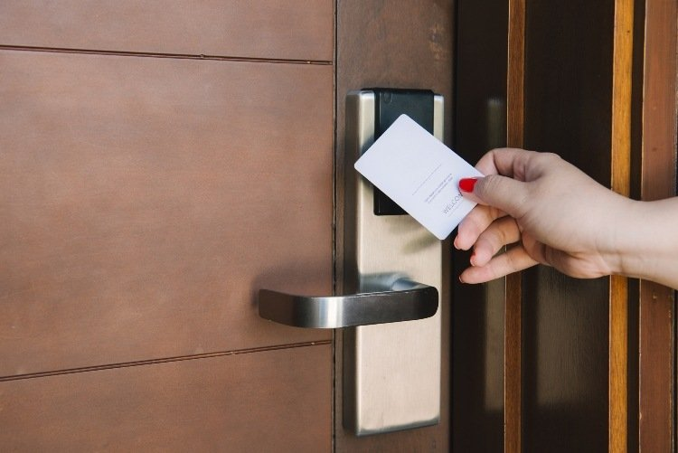 The Benefits of an Electronic Locking System